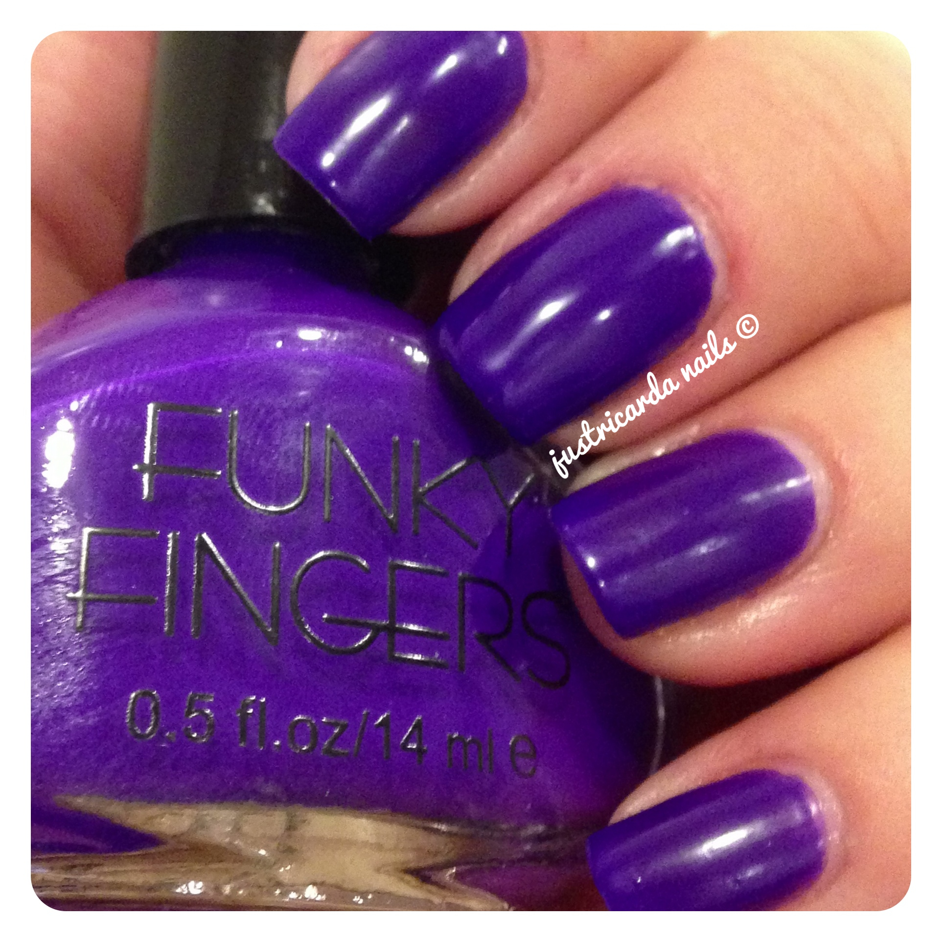Funky Fingers | justricarda